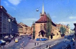 Lausanne - Place Et Eglise De Saint Francois - Formato Piccolo Viaggiata – E 13 - Cartoline