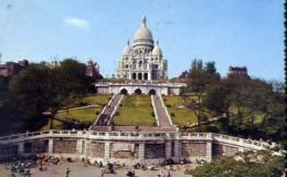 Paris - Basilique Du Sacre Coeur  Et Colline De Montmartre - Formato Piccolo Viaggiata Mancante Di Affrancatura – E 13 - Cartoline