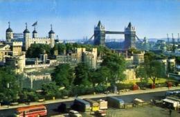 The Tower And Tower Bridge - London - Formato Piccolo Viaggiata Mancante Di Affrancatura – E 13 - Cartoline