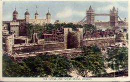 The Tower And Tower Bridge - London - Formato Piccolo Viaggiata – E 13 - Cartoline
