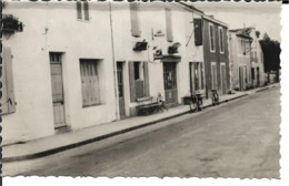 79 - Deux Séves - Epannes - La Grande Rue - Francia