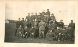 PHOTO ORIGINALE GROUPE DE SOLDATS  FORMAT 11.00 X 7 CM - Guerre, Militaire