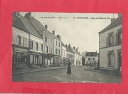 CPA - La Normandie - Senonches - Place De L'Hôtel De Ville - Francia