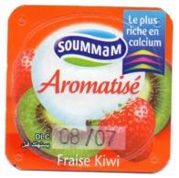 "Opercule Cover Yaourt Yogurt "" Soummam "" FORT Aromatisé Fraise Kiwi Old Design Yoghurt Yoghourt Yahourt Yogourt - Milk Tops (Milk Lids)"