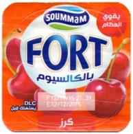 "Opercule Cover Yaourt Yogurt "" Soummam "" FORT "" Cerise Cherry New DesignYoghurt Yoghourt Yahourt Yogourt - Opercules De Lait"