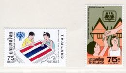 YEAR INTERN. OF CHILD - THAINLANDIA - Mi. Nr.  897/898 - NH - (6532-10.) - Tailandia