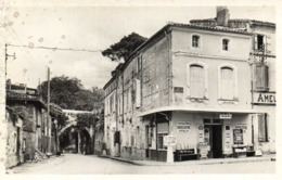 Cpsm Petit Format VERDUN Sur GARONNE  (Tarn Et Garonne ) Pont De Miegeville ,route De Montauban Tabac Droguerie RV - Verdun Sur Garonne