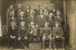 Carte Photo Conscrits Honneur Classe 1920 Accordeon RV - Photographs