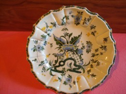 Grand Plat Faîence . 35 Cms ,ancien . - Ceramica & Terraglie