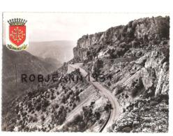 (30-34) Entre Le Gard Et L'herault Le Cirque De Navacelles ( La Route Des Gorges ) - Frankrijk