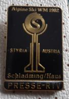 Alpine SKi WM 1982 Schladming Haus Austria Presse RTV Offical Pin Badge - Gewichtheffen
