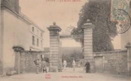 F20- 71) GIVRY - LA GENDARMERIE - (ANIMEE) - France