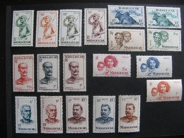 MADAGASCAR:  TB Série N° 300 Au N° 318, Neufs X. - Neufs