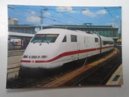 D168393  Train - Railway Station - Bahnhof  - Gare -  Hungarian Postcard  - DB  German Railway -  ICE -Hbf. München - Treni