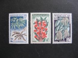 A). MADAGASCAR: TB Série  N° 332 Au N° 334, Neufs X. - Madagascar (1889-1960)