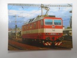 D168412 Train - Railway Station - Bahnhof  - Gare -Hungarian Postcard  -Slovakia  ZSR - Zvolen  Station - Treni