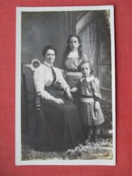 RPPC Mother  With  2 Daughters     Ref 3643 - Fashion