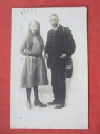 RPPC  Couple  Dundee    Stain On Back      Ref 3643 - Fashion