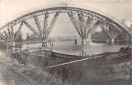 SAINT PIERRE DU VAUVRAY - Charpente Du Pont En Construction - Péniche (CPSM Petit Format) - Frankreich