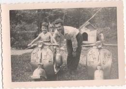 Kid Posing On The Scooter - S. Vito - Photo - Motorbikes