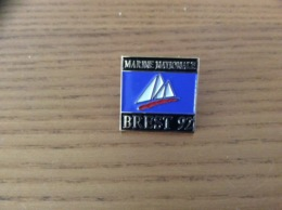 """Pin's * """"BREST 92 - MARINE NATIONALE"""" (voilier) - Barcos"""