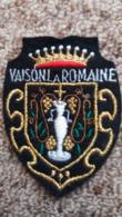 ECUSSON TISSU VAISON LA ROMAINE VAUCLUSE ARMOIRIES BLASON   VOIR AUTRES MODELES DANS MA BOUTIQUE ET CELLE ULTIMA31 - Ecussons Tissu
