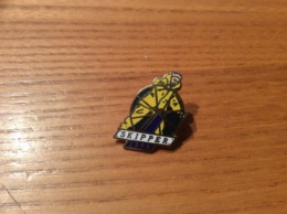 """Pin's """"SKIPPER 1992"""" (voilier) - Barcos"""