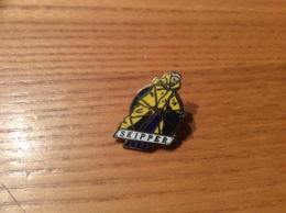 """Pin's """"SKIPPER 1992"""" (voilier) - Boten"""