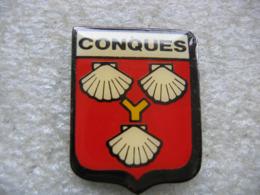 Pin's De L'embleme De La Commune De CONQUES Dans L'Aveyron (Dépt 12) - Cities