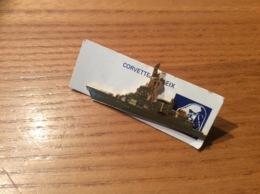 """Pin's """"CORVETTE DUPLEIX"""" (D641, Bateau Militaire, Signé SEGALEN) - Boten"""