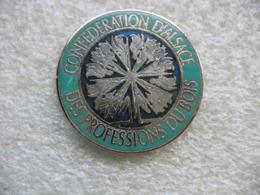 Pin's De La Confédération D'Alsace Des Professions Du Bois - Zonder Classificatie