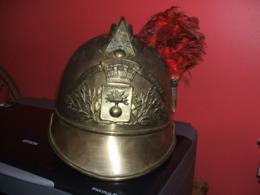 CABOURG - ( Calvados ) - Coque Ancienne De Casque De Pompier De CABOURG - Cascos