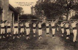 LEZAY -  Les  Enfants De La DIVE   -  Section De Bâton - Francia