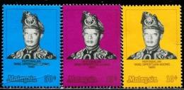 MY0811 Malaysia 1970 Supreme Head Of State Sultan Haz 3V MNH - Malaysia (1964-...)