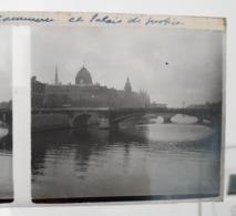 Plaque De Verre Stéréo - Paris. Tribunal De Commerce Et Palais De Justice. - Glasdias