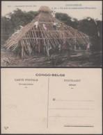 """CONGO BELGE CP EN COULEUR N°19 """"UN TOIT EN CONSTRUCTION (MANYEMA)""""  (DD) DC-4192 - Congo Belge"""