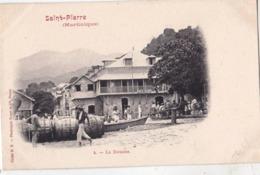 CPA : Martinique Saint Pierre  La Douane  Dos Précurseur   TBE    Cliché HK   Royer Nancy - Fort De France