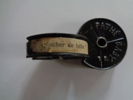 """FILM PATHE BABY 9,5mm  """" LE COUCHER DE BEBE"""" 1923 - Other Collections"""