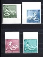 TOGO N° 425 à 428  NON DENTELES  NEUFS SANS CHARNIERE COTE  ? €  JEUX OLYMPIQUES  TOKYO  FOOTBALL - Togo (1960-...)