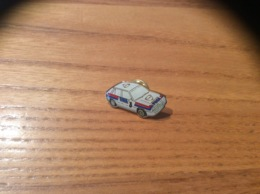 "Pin's ""LANCIA FINA"" (rallye, Automobile) - Badges"