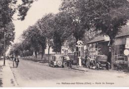 CPA : Mehun Sur Yèvre (18) Rare  Route De Bourges Station Service Pompe à Essence  Voiture Ancienne Garage Thévenin - Mehun-sur-Yèvre