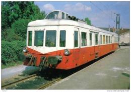 Carte Postale 78. Trappes La Gare  Autorail X 3918  Navette Ouvrière  Trés Beau Plan - Trappes