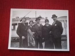 TRAMWAY TRAM EN ARRIÈRE-PLAN SUR 3 PHOTOS ORIGINALES ANNÉES 1940 OU ANTÉRIEURES BELGIQUE  HUY Pub. EAU + Carte Postale - Postcards