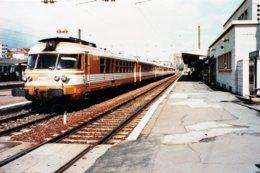 Besançon (25). 17 Avril 1998. Rames E.T.G. En Gare. - Besancon