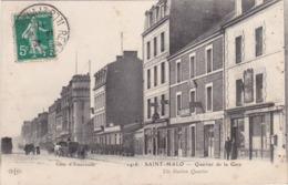 """SAINT-MALO - Quartier De La Gare - Tabac Buvette Meublés - Café Restaurant """"Aux Trois Amis"""" - Trains - Fiacres - Animé - Saint Malo"""
