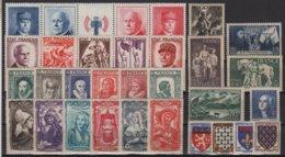 France - Année 1943 - 31 Timbres (dont 2 Bandes **/*) - Cote 134€ - * Neufs Avec Trace De Charniere - Neufs