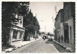 CPSM -  PLAN DE CUQUES (B. Du Rhône) -  La Maison De La Presse - Le Centre - Francia