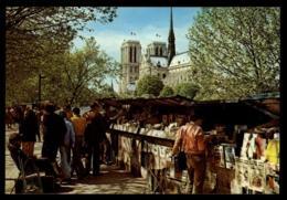 75 - Paris 4e Arrondissement Notre-Dame De Paris - Quai Bouquinistes #10067 - Notre Dame De Paris