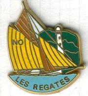 Pin's Bateau Voilier Navire Les Régates - Barcos