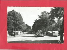 CPSM Petit Format - La Hume   -(Gironde) - Le Camping  -(auto,voiture Citroën DS ) - Francia